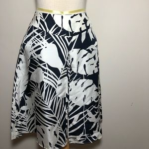 Ann Taylor silk skirt palm leaves lined knee Sz 6